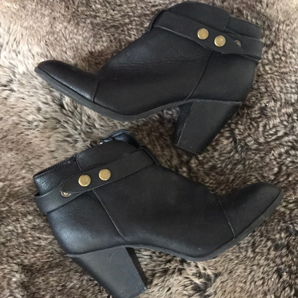 06b9fb4b4b9 American Eagle By Payless Shoes   Size 8 Womens Booties   Poshmark